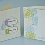 Cartes imprimées sur du papier beige